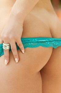 Breathtaking Blond Beauty Jully Skrochowski Sexy Nude Photos 08