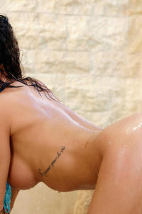 Hot Shower With Kirsten Price 13