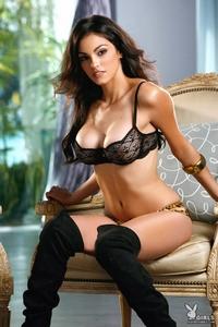 Nadia Moore 00