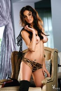 Nadia Moore 02