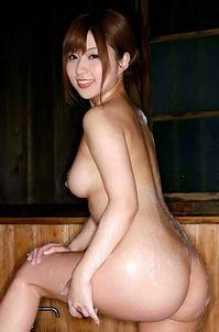 Kokomi Naruse Shows Her Naked Body