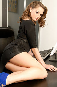 Tori Black Stripping And Spreding Her Legs