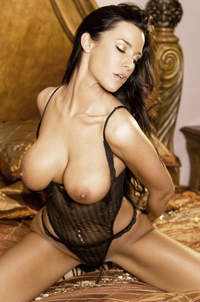 Laure Lee Ready In Bed