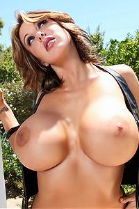 Brandy Robbins Huge Boobs Model
