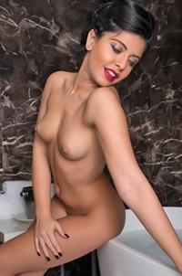 Cara In The Bathtub