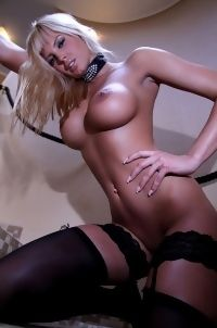 Blonde Sexbomb Amy In Stockings